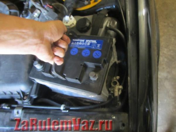 замена аккумулятора на ВАЗ 2114 и 2115