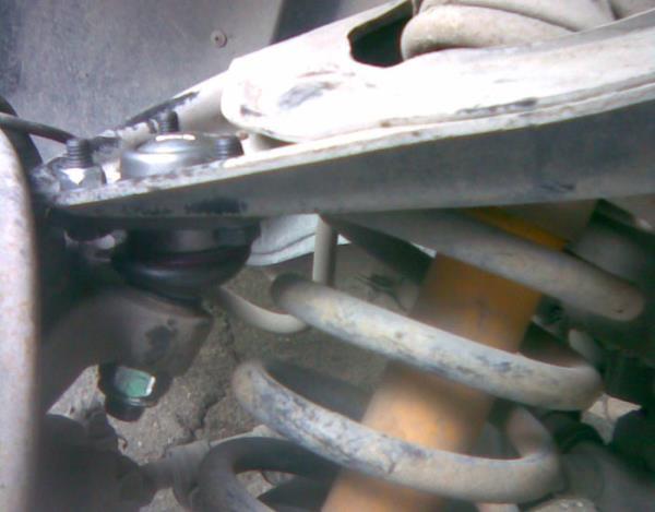 Заменить шаровые опоры на ВАЗ 2107