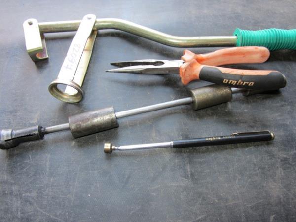 инструмент для замены маслосъемных колпачков на ВАЗ 2106