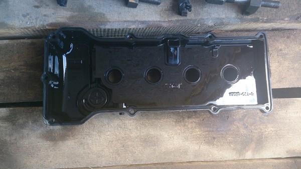 Замена прокладки клапанной крышки Nissan Sunny b15