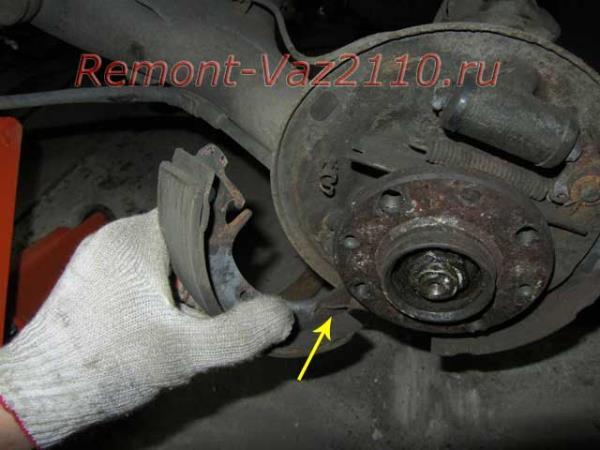как снять задние колодки на ВАЗ 2110-2112