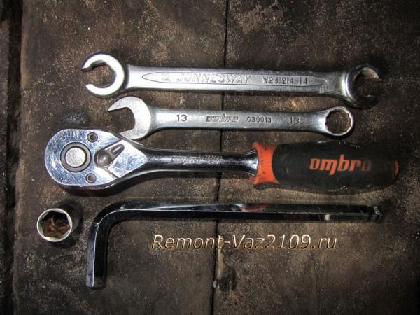 инструмент для замены переднего тормозного цилиндра на ВАЗ 2109-2108