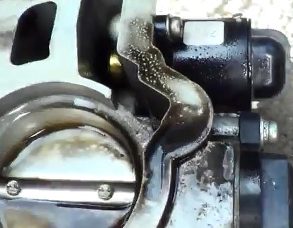 Грязная заслонка. Промывка дроссельной заслонки ВАЗ 2107 - видео, инструкция