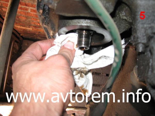 Как своими руками поменять масло в двигателе автомобиля ВАЗ-2101, ВАЗ-2102, ВАЗ-2103, ВАЗ-2105, ВАЗ-2106, ВАЗ-2107, «Жигули», «Классика»