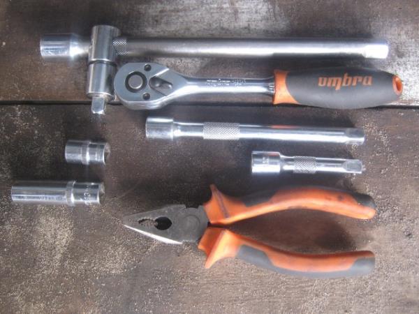инструменты для замены впускного коллектора на ВАЗ 2107