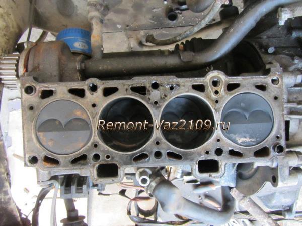 двигатель после снятия головки ВАЗ 2109-2108