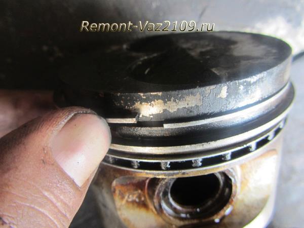 извлечение поршневых колец на ВАЗ 2109-2108