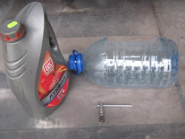 необходимые вещи для замены масла в двигателе ВАЗ 2107-2105