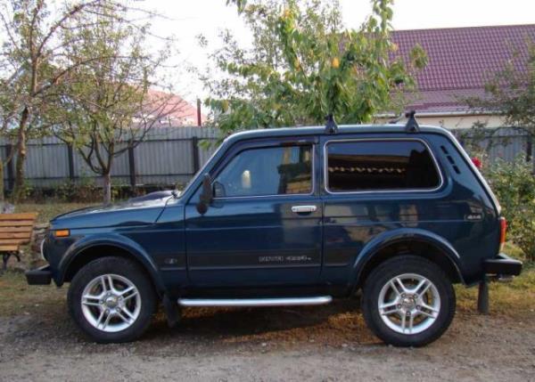 Автомобиль ВАЗ 21214 Нива инжектор