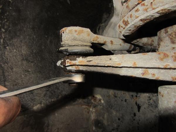 как открутить гайку рулевого наконечника на ВАЗ 2110-2111