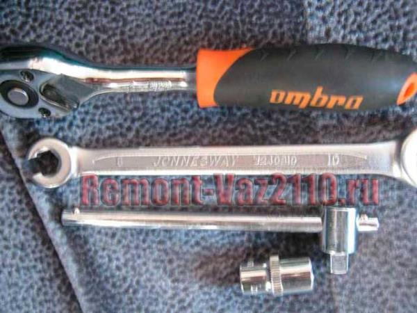 необходимый инструмент для замены заднего тормозного цилиндра ВАЗ 2110