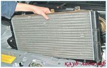 снять радиатор двигателя приоры
