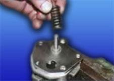 расположение пружины редукционного клапана