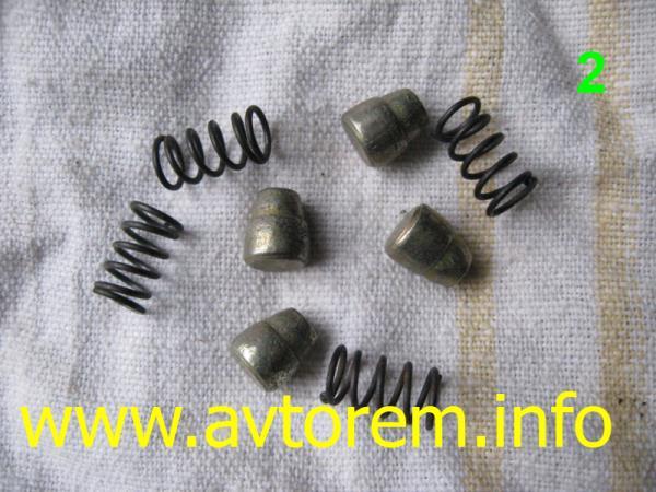 Фиксаторы и пружины для переднего тормозного цилиндра ВАЗ-2101, ВАЗ-21011, ВАЗ-2102, ВАЗ-2103, ВАЗ-2104, ВАЗ-2105, ВАЗ-2106, ВАЗ-2107, Жигули