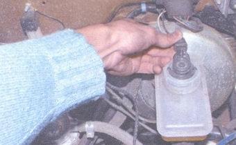 статья про снятие и установка главного тормозного цилиндра на автомобилях ваз 2108, ваз 2109, ваз 21099