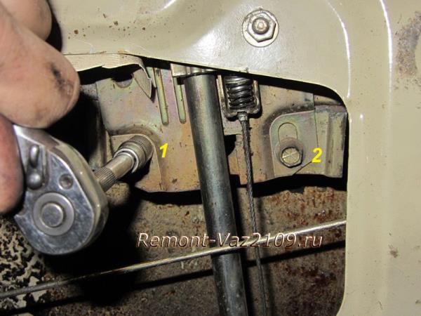 крепление стеклоподъемника на ВАЗ 21099-2109-2108
