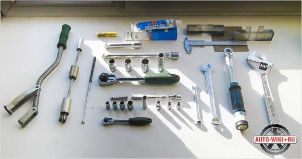 Инструменты, которые пригодятся для замены