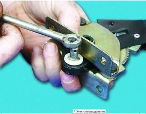 как поменять ручник на 2110