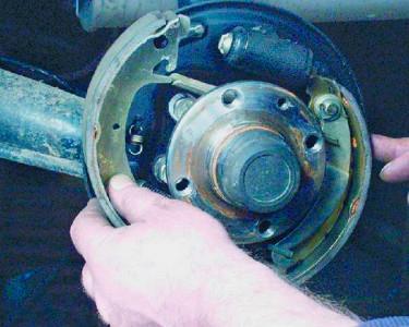 Снимаем тормозную колодку на ВАЗ 2108, 2109, 21099