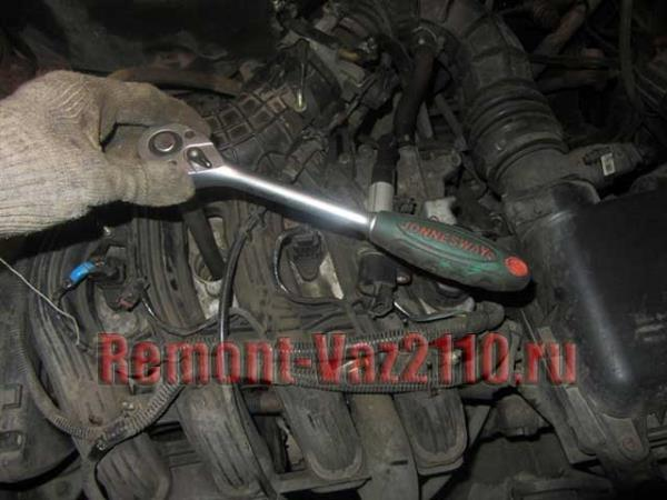 замена свечей зажигания на 16 клапанном двигателе ВАЗ 2110-2112