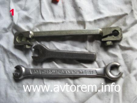 Инструмент для замены главного тормозного цилиндра на автомобиле ВАЗ 2108, ВАЗ 2109, ВАЗ 21099, ВАЗ 2110, ВАЗ 2113, ВАЗ 2114, ВАЗ 2115