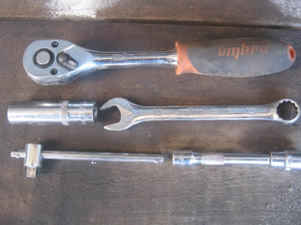 инструмент для замены глушителя на ВАЗ 2107-2105
