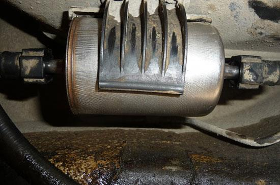 Замена топливного фильтра Лада Гранта своими руками