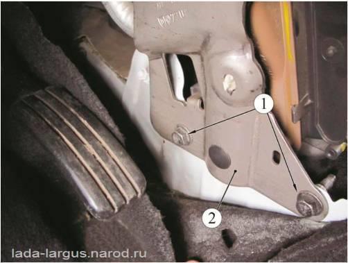 Нижнее крепление усилителя поперечины панели приборов Lada Largus