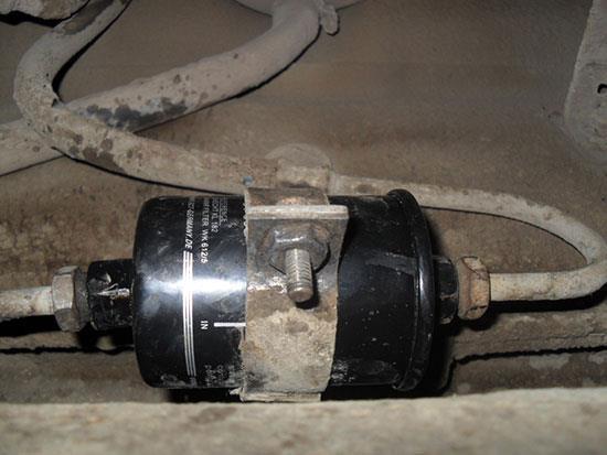 Замена топливного фильтра ВАЗ 2110 своими руками