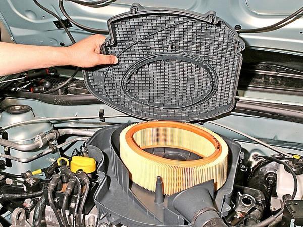 Воздушный фильтр Ларгус 8кл замена