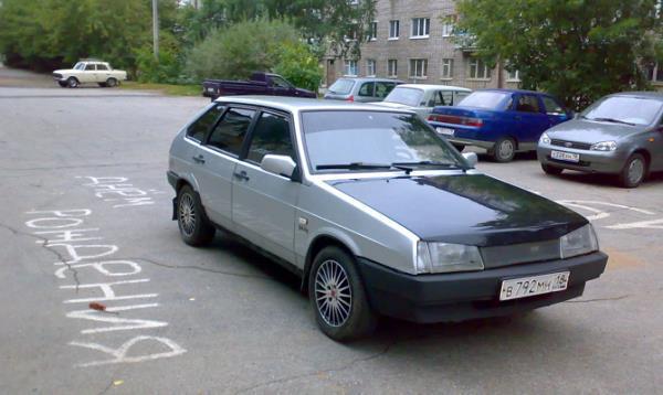 Автомобиль ВАЗ 2109 инжектор
