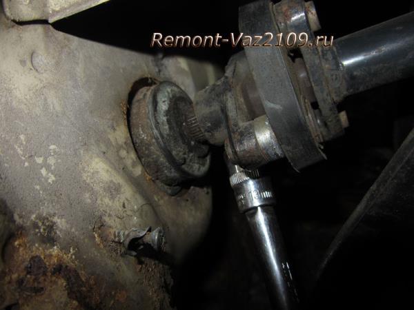 стяжной болт рулевого вала на ВАЗ 2109-2108