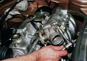 Фото замены дроссельной заслонки ВАЗ 2110, autoprospect.ru