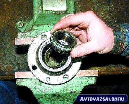 zamena-podshipnikov-stupicy-vaz-klassika_70