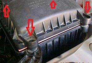 Замена воздушного фильтра двигателя Лады Гранта
