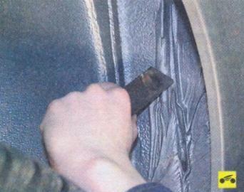 Снятие и установка переднего крыла Лады Калина