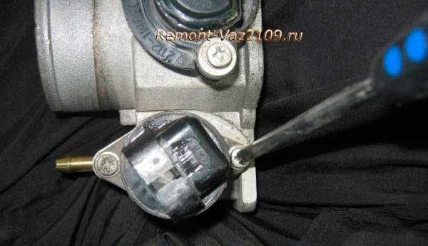 открутить регулятор холостого хода на ВАЗ 2109-2108
