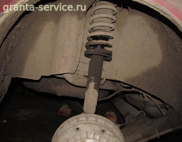 Замена амортизатора и пружины задней подвески на Лада Гранта