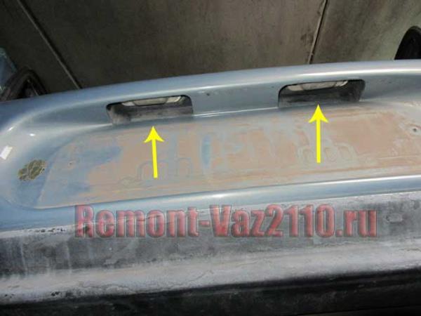 где находятся лампочки подсветки номера на ВАЗ 2110