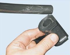 Снятие подушки штанги стабилизатора поперечной устойчивости передней подвески Лада Гранта (ВАЗ 2190)