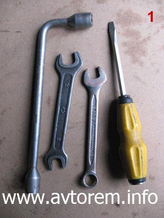 Интструмент для замены передних тормозных колодок на автомобиле 2108, ВАЗ 2109, ВАЗ 21099, ВАЗ 2110