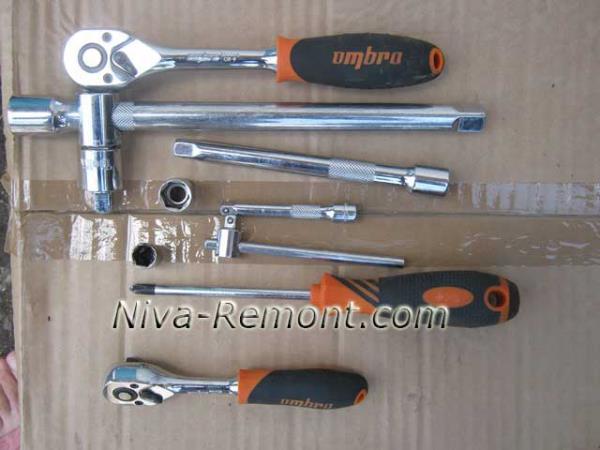 инструмент для снятия и установки помпы на ВАЗ 2121 Нива