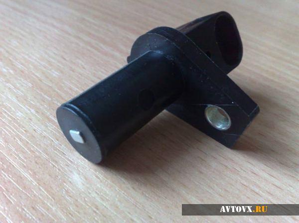 Датчик положения коленчатого вала ВАЗ 2110