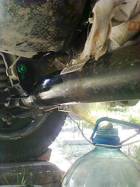 Замена масла в двигателе Шевроле Ниву (ВАЗ 2123)