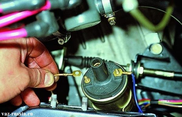 Установка кончиков проводов, на малые клеммы катушки
