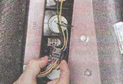 Задний фонарь (фара) Лада Гранта (снятие и установка)