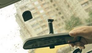 Фото приклеивания зеркала заднего вида, auto-noob.ru
