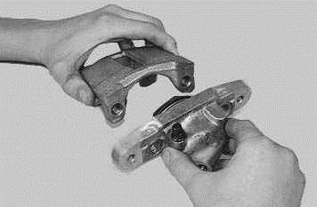 Операции проводимые при снятии и установке рабочего цилиндра переднего тормозного механизма на автомобиле ВАЗ 2170 2171 2172 Лада Приора (Lada Priora)