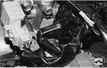 Расположение фильтра радиопомех в Toyota RAV4