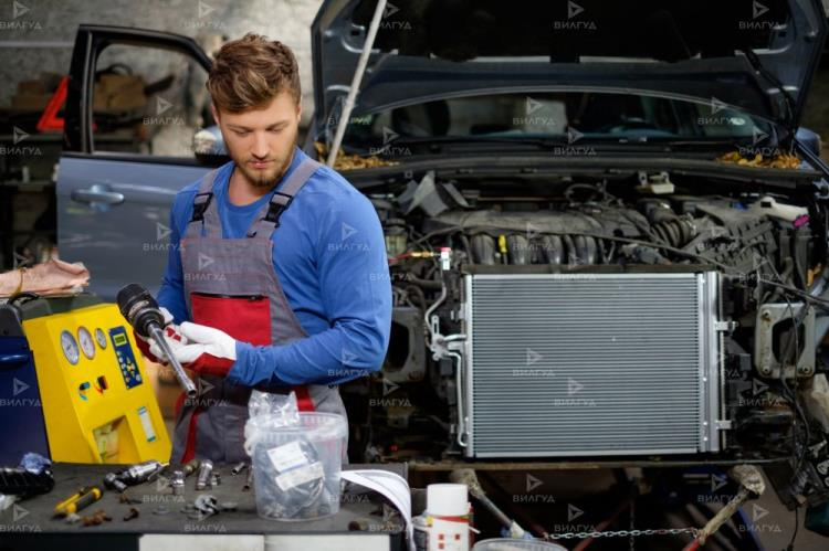 Замена радиатора охлаждения Nissan Micra в Тюмени